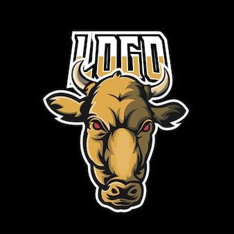 Koe sport en esport gaming mascotte logo