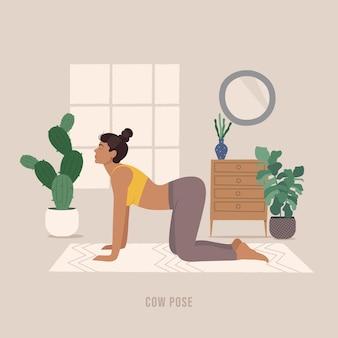 Koe yoga pose jonge vrouw die yoga-oefening beoefent