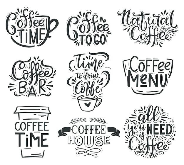 Koffie belettering. cafe of restaurant koffie citaten, warme smakelijke drank hand getrokken belettering emblemen