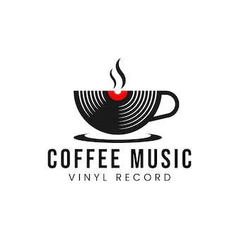 Koffie muziek records logo ontwerpsjabloon met een kopje en een vinylplaat vectorillustratie