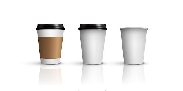 Koffie- of theekopjes, verschillende koffie- of theekopjes die op witte achtergrond worden geïsoleerd.
