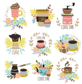 Koffie tijd hand getrokken emblemen