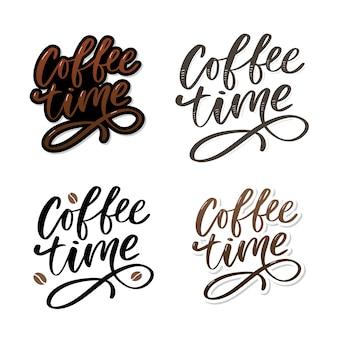 Koffie tijd kaart. hand getrokken positief citaat.