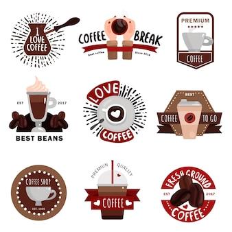Koffieproductie plat gekleurde emblemen badges en labels voor coffeeshop café en restaurant ontwerp geïsoleerd