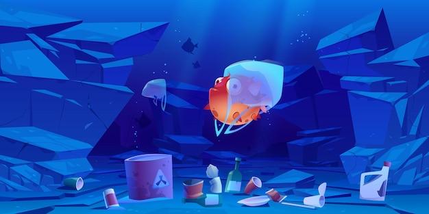 Kogelvis in plastic zak onder water in zee of oceaan. verontreiniging van de oceaan door afval, wereldwijd zwerfvuil.