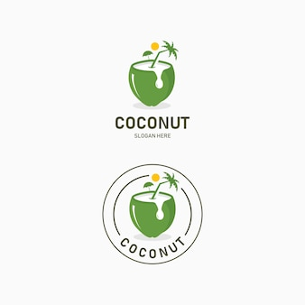 Kokoswater drinken logo ontwerp. resort logo met uitzicht op het strand en kokospalmen in kokosnoot drankje