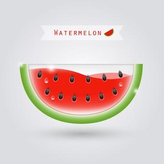 Komvormige watermeloen met rode vloeistof binnen