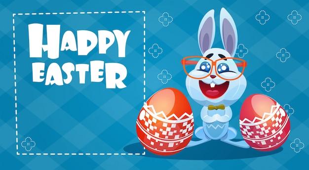 Konijn pasen vakantie bunny hold ingericht eieren wenskaart