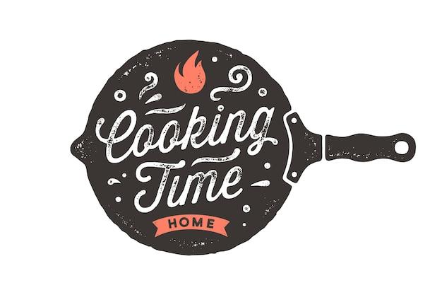 Kooktijd. keuken poster. keuken wanddecor, teken, citaat. poster voor keukenontwerp met koekenpan en kalligrafie belettering tekst kooktijd. vintage typografie.