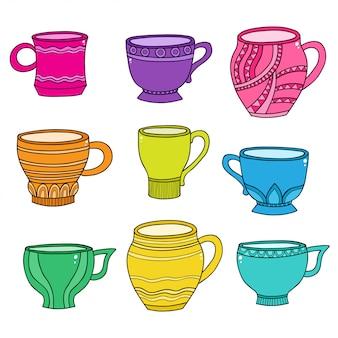 Kopjes voor thee en koffie naadloos patroon op wit