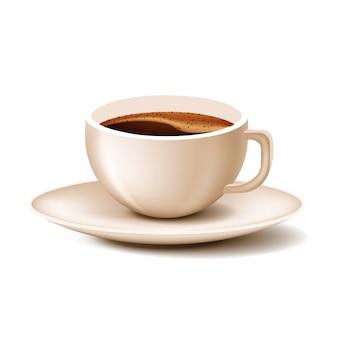 Kopkoffie met schotel op witte achtergrond