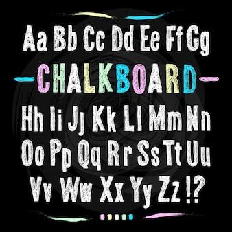 Krijtbord lettertype hand trekt alfabet vector illustratie op zwarte achtergrond textuur