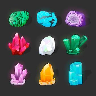 Kristallijne steen of edelsteen. kostbare edelsteen.