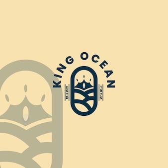 Kroon en water zeegolven voor logo-ontwerp van bootschip