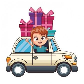 Lachende jongen rijdende auto