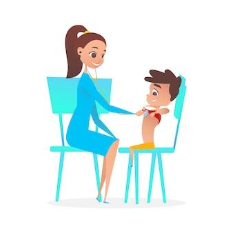 Lady kinderarts arts onderzoekende jongen patiënt.