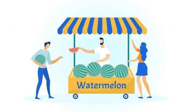 Landbouwbedrijfmens die organische watermeloenen op markt verkopen.