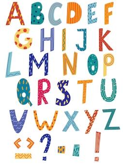 Latijns alfabet in cartoon-stijl. hand tekenen alfabet met streep en polka dot stijl. leuk kleurrijk engels alfabet, grappig handgetekend lettertype. goed voor kaarten, posters, kinderkamerontwerpen. vector