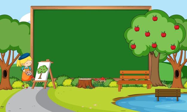 Leeg bord in de natuurscène met een kunstenaarsmeisje dat in het park tekent