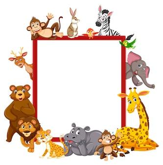 Leeg bord met veel verschillende wilde dieren
