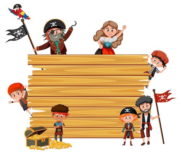 Leeg houten bord met veel stripfiguur voor piratenkinderen