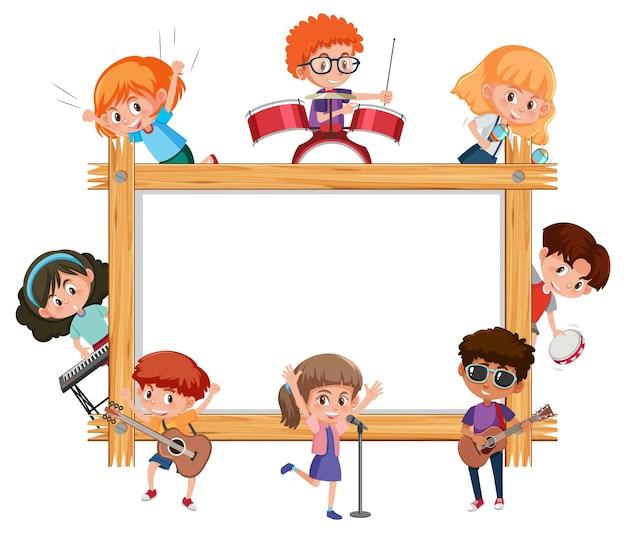 Leeg houten frame met kinderen die verschillende muziekinstrumenten bespelen
