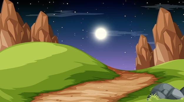 Leeg natuurparklandschap bij nachtscène met weg door de weide