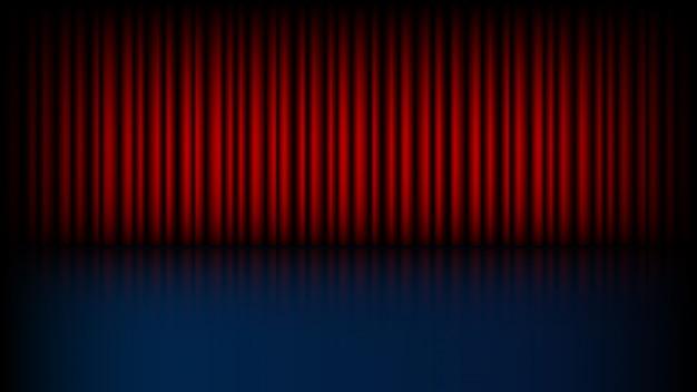 Leeg podium met gesloten rood theatergordijn