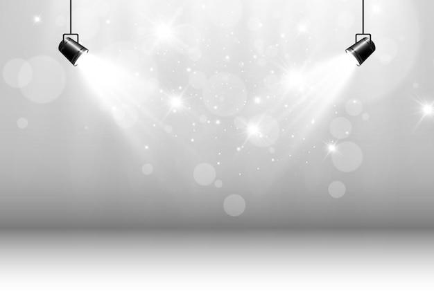 Leeg podium met schijnwerpers verlichtingsapparaten op transparant