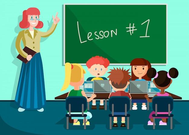 Leerlingen luisteren leraar in klas op les.