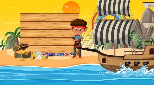Lege bannersjabloon met piratenjongen bij de strandzonsondergang