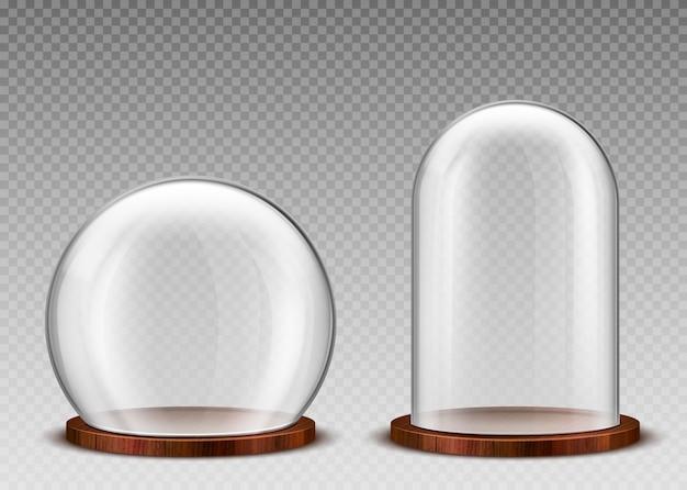 Lege glazen koepel, heldere stolp op houten podium