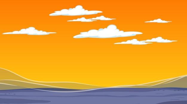 Lege hemel bij zonsondergangtijdscène met leeg overstromingslandschap