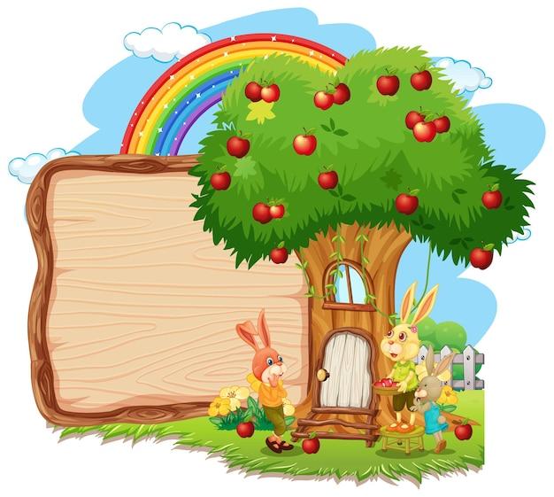Lege houten plank met een konijn in de tuin geïsoleerd