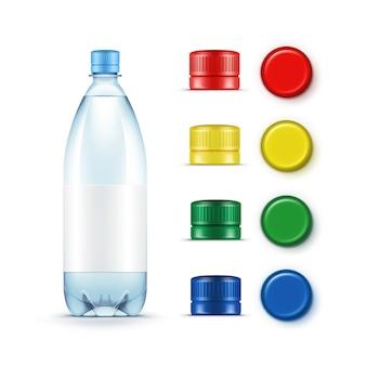 Lege plastic blauwe waterfles veelkleurige rood geel groene doppen