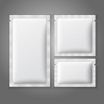 Lege witte plastic zakjes voor koffie, suiker, zout, kruiden, medicijnen, condooms, drugs.