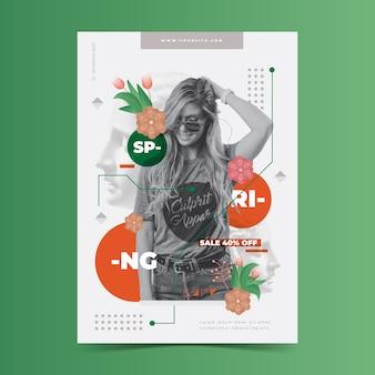 Lente verkoop poster sjabloon op groene achtergrond