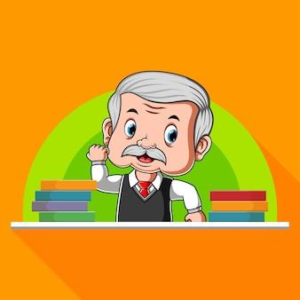Leraar die zich achter bureau naast boeken bevindt