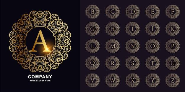 Letter a of collectie eerste alfabet met luxe sieraad bloemen frame gouden logo sjabloon.