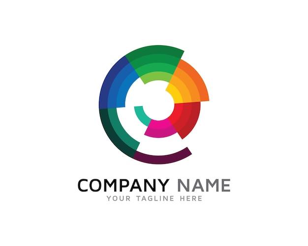 Letter e spiraal kleur logo