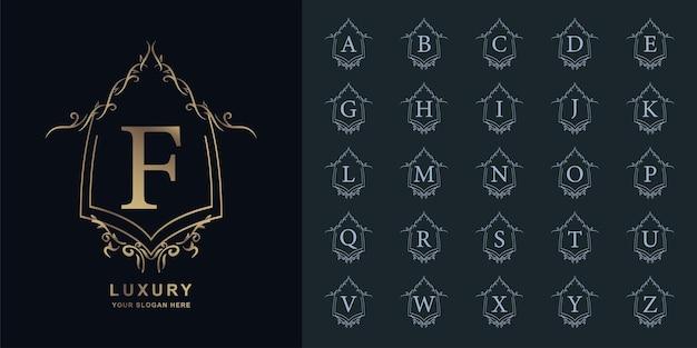 Letter f of collectie eerste alfabet met luxe sieraad bloemen frame gouden logo sjabloon.