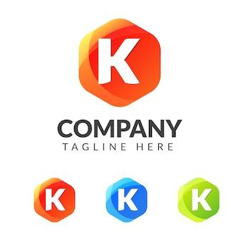 Letter k-logo met kleurrijke geometrische vorm