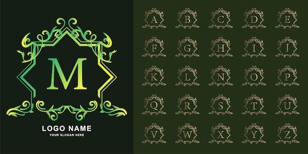 Letter m of collectie eerste alfabet met luxe sieraad bloemen frame gouden logo sjabloon.