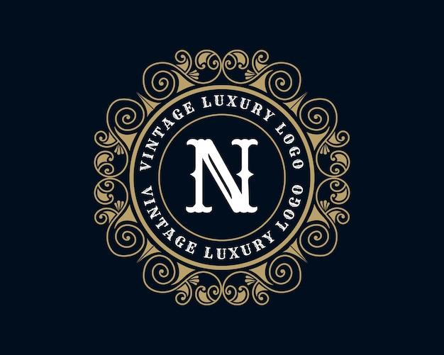 Letter n antiek retro luxe victoriaans kalligrafisch logo