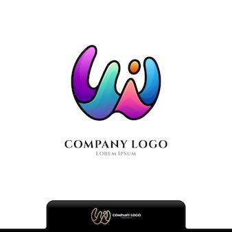 Letter w en water splash logo geïsoleerd op wit