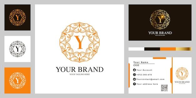 Letter y luxe sieraad bloem frame sjabloon embleemontwerp met visitekaartje.
