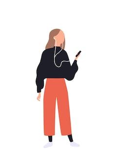 Leuk meisje dat naar muziek luistert via smartphone. grappige jonge vrouw met audiospeler en oortelefoons. vrijetijds besteding. platte vrouwelijke stripfiguur geïsoleerd op een witte achtergrond. vector illustratie.