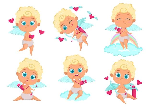 Leuke cupido stripfiguur. engelenjongen met boog en pijlen die en onder harten glimlachen vliegen.