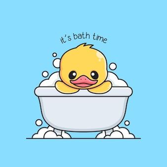 Leuke eend neemt een bad in de badkuip