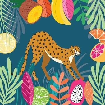 Leuke exotische wilde grote kat cheetah die zich uitstrekt op donkere tropische achtergrond met verzameling van exotische planten en fruit. vlakke afbeelding